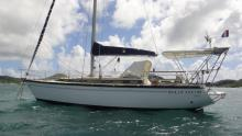 Dufour 4800 : At anchor in Le Marin
